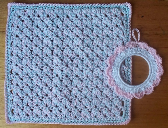 crochet wash cloth + photo frame - stitchedupmama 2013